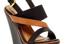 shoe lust / by Alaina Pitcavage