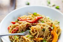 Pasta and Noodle Dishes / by Shanna Waye