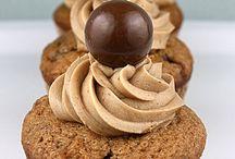 Food- Cupcakes / by Sandra Henderson