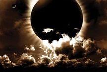 love the moon / by Robin Girshner