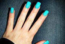 Pretty Nails / by Lauren Martin