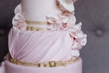 Pleats & Gathering cakes / cakes that have all types of pleating or gathering of material look / by Jenniffer White