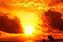 Sunsets & sunrises / by Naz Karim