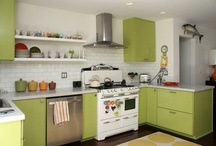 Kitchens / by Caroline Hayes