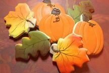 Clough'D 9 Cookies & Sweets / by Leah Bellacera Speer