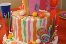 Party Cakes / by Sonia Erales