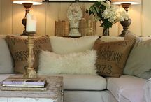 Small Living Room Ideas / by Lollipop Ink