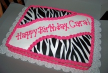 Cakes/cupcake designs  / by Regina Newville