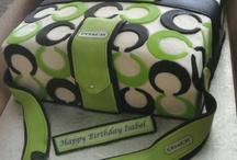 Cakes / by damaris gonzalez