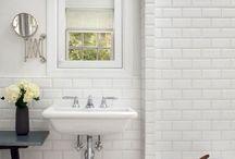 Houses - Bathrooms / by Melanie Krefta