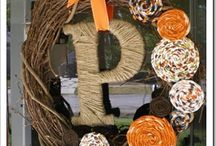 Wreaths I want to make / by Jessica Larsen {dbj events}