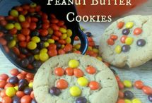"""Food: Cookies, Cupcakes, and Individual Desserts / The name says it all! Here, you'll find recipes and inspiration for cookies and other individual desserts. You may also like my """"PaRtY: Cake Designs"""" board for design ideas. Check out my other boards, for more great pins! / by Meghan Karson"""