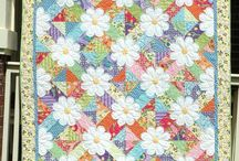 Quilt Patterns / by Bobbie Ward Whitwell