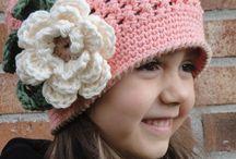 gorros crochet / by Blanca Salazar
