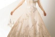 Wedding ideas / by Kayla Ellis