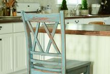 Painting Furniture / by Connie Caron