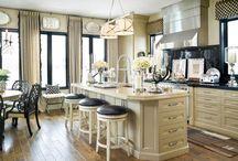 Kitchens / by Lynn Terry