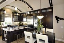 kitchens / by Dorothy Vosnick