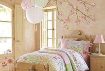 kids rooms / by Bonnie Hawkins