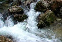 01  Parques Naturales Navarra Naturalmente / Navarra Naturalmente tiene  muchos espacios naturales. Pero tiene 3 Parques Naturales. Estos son el Parque Natural de Bardenas, Parque Natural de  de Bértiz y  el Parque Natural de   Urbasa @NacederUrederra / by Casa Rural Urbasa Urederra