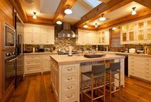 kitchens / by Rosalie