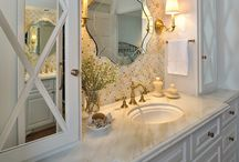 Bathrooms / by Charlotte Owendyk