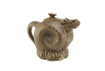 Tea Pots and Collectibles / by Marilyn Maltezo