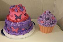 Cake ideas / by Tiffanie Reed