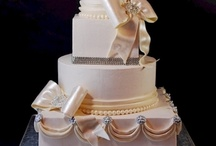 Rhinestone & Jeweled Cakes / Wedding cakes with lots of rhinestones and sparkles. / by Jenniffer White