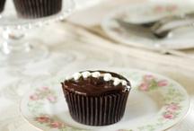 Homemade Hostess Cupcakes / by MAS GoodLife