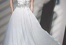 Dresses / by Karleen Elizabeth