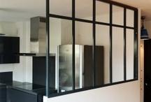 CLOISONS ET SEPARATIONS / style atelier, beton, carreauxde platre a peindre, planches de chantiers , bois / by Claire