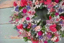 Wreaths / by Madeleine Mulanix
