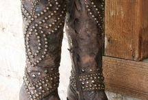love boots / by Kimberley Gillespie