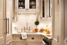 Small Kitchens / by Linda Merrill Decorative Surroundings