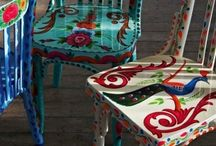 Chairs, tables, bench.....give it a new look! / by Lola Rodriguez