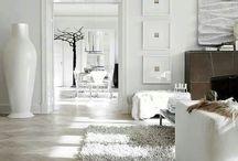 Home Decor / by Melanie Kleinhans