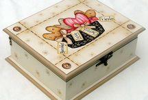 Cajas y Multiusos / by Samira Mussa Gonzalez