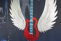 Décor: Paint, Murals, Etc. / by Rachael Hollums