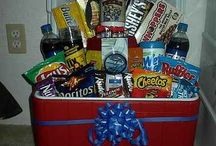 gift baskets  / by Crystal Schnieders