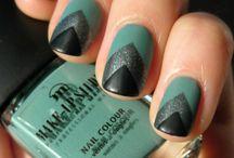 Nails / by Kellie Aye
