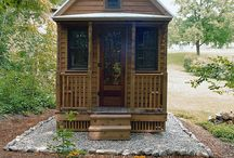 Tiny houses / by Renae Ba