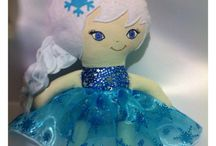 Frozen cloth dolls / by Jane Bernardo