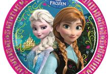 Disney Frozen Party / by Party Pieces