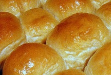 Bread/Buns/Rolls/Muffins / by Michelle Golden