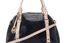 Accessories: BAG LADY / by Claire Chadwick