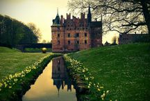 Castles, Palaces, Fortresses, Towers etc. / by Marica K