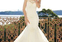 Wedding dresses / by Lauren Jenkins