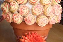 Cupcakes / by Amber Enders