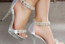 Shoes / by Petronella Vanderelst